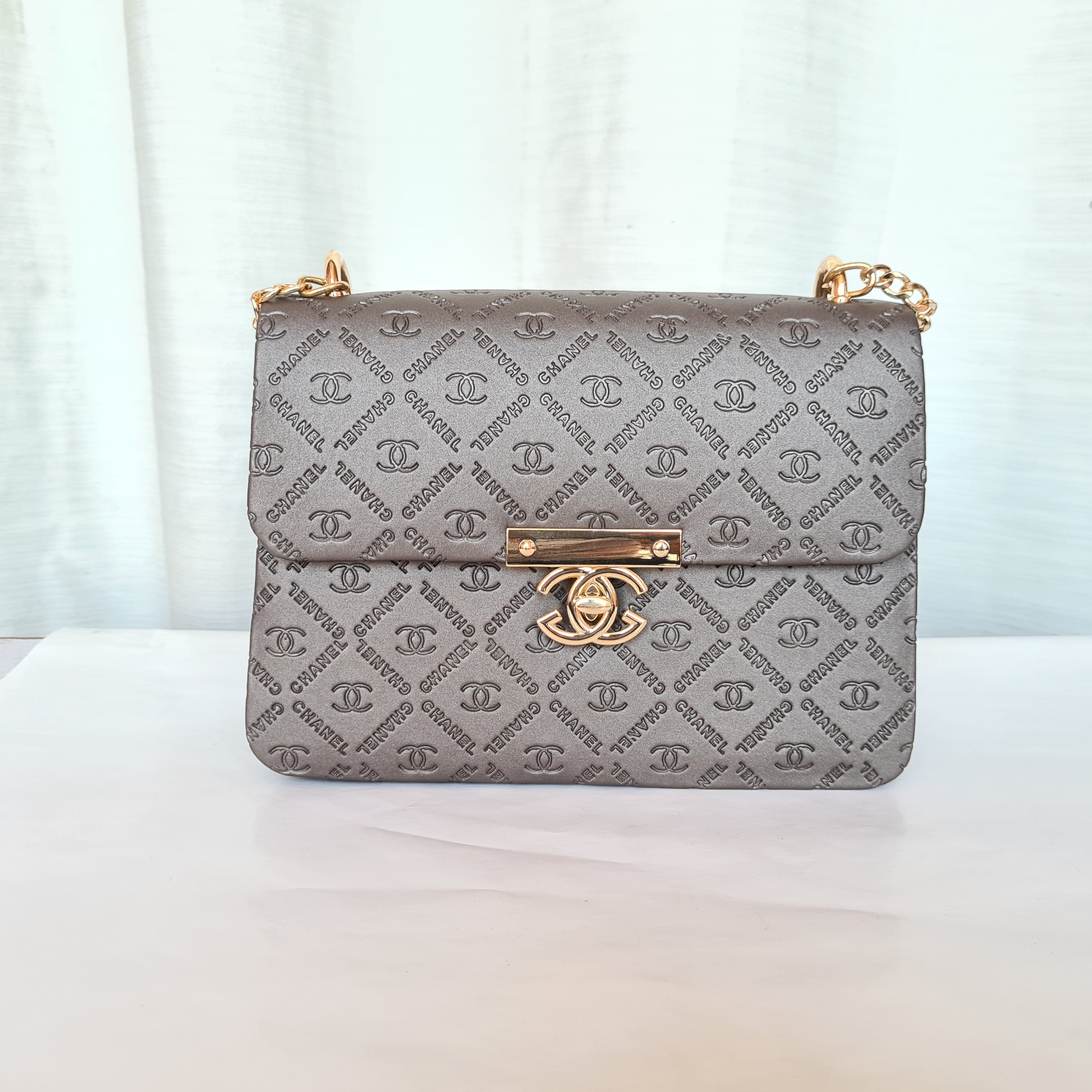 Chanel Ladies Stylish Small Hand Bags QB00181