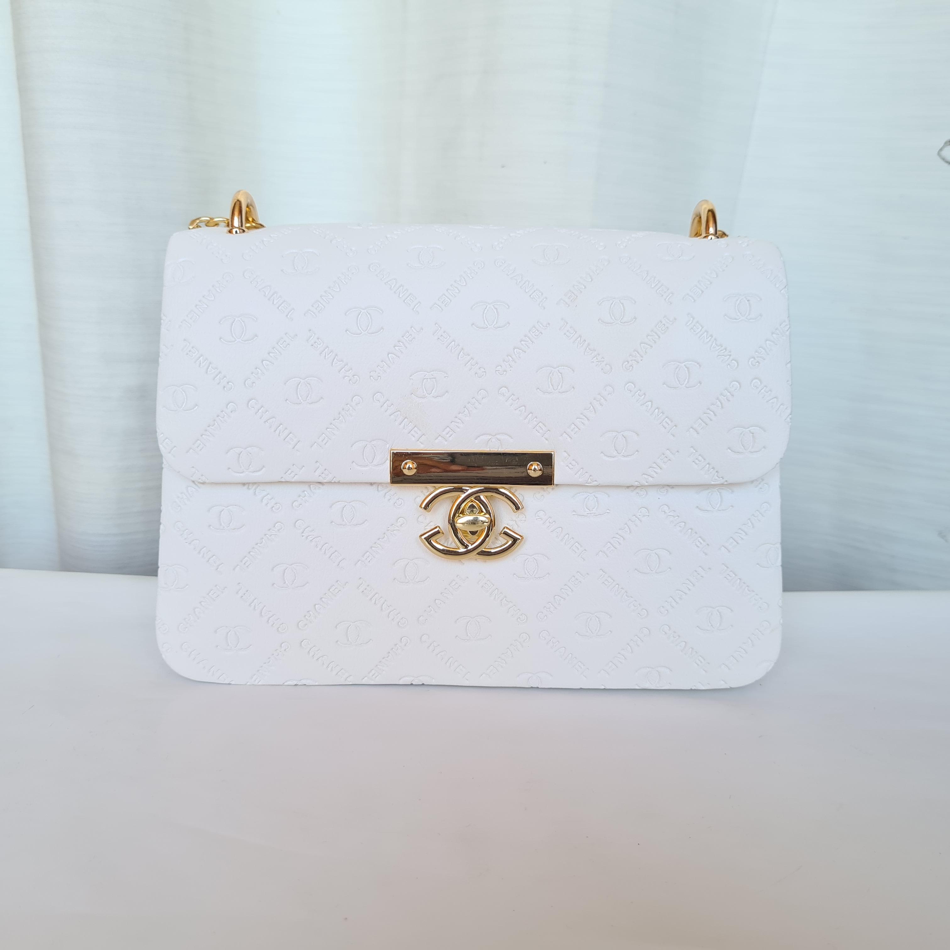 Chanel Ladies Stylish Small Hand Bags QB00180