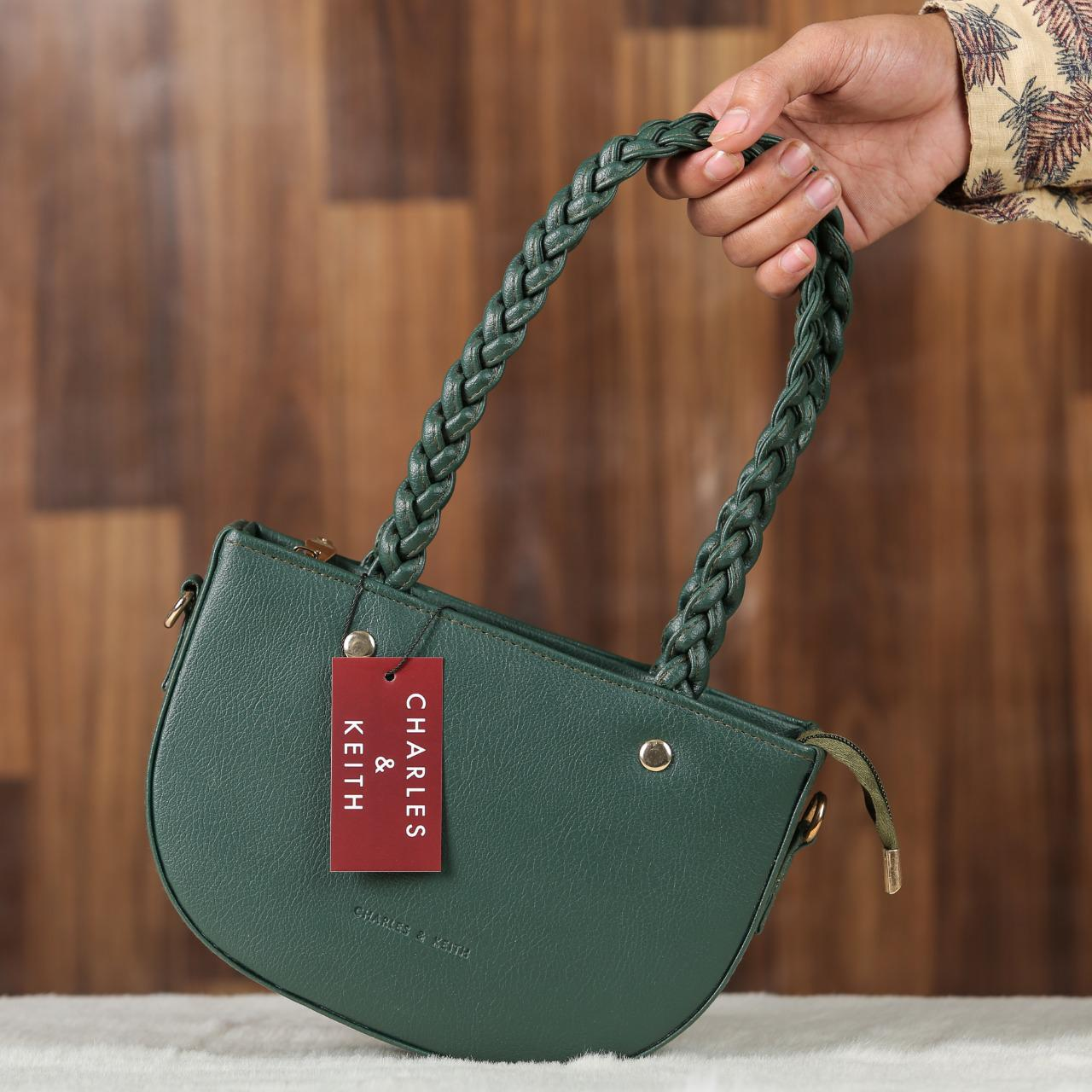 Charles & Keith Ladies Bag Green Color QB00134