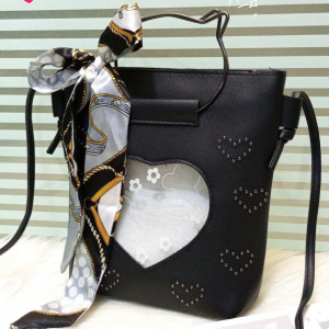 Kitti Hand Bags For Girls Black Color QB00117