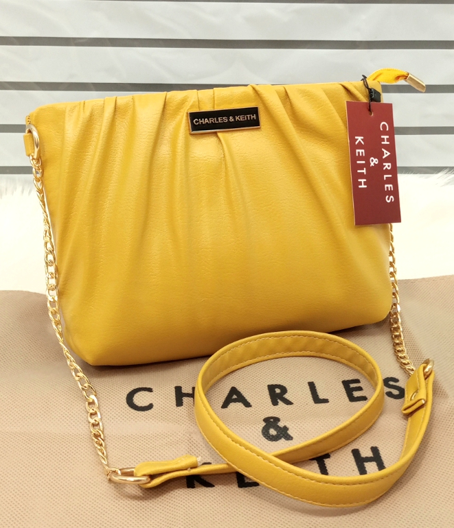 Charles & Keith Ladies Bag Unique Style Yellow Color QB00146