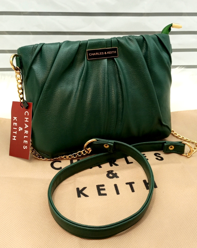 Charles & Keith Ladies Bag Unique Style Green Color QB00147